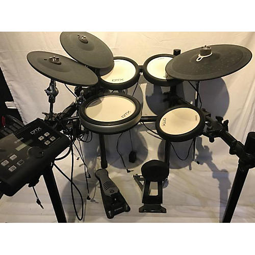 used yamaha dtx500 electric drum set guitar center. Black Bedroom Furniture Sets. Home Design Ideas