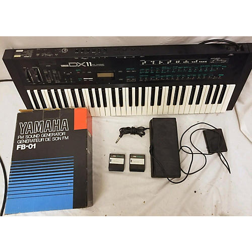 Yamaha DX11 FM Digital W/ FB-01 Sound Module Synthesizer