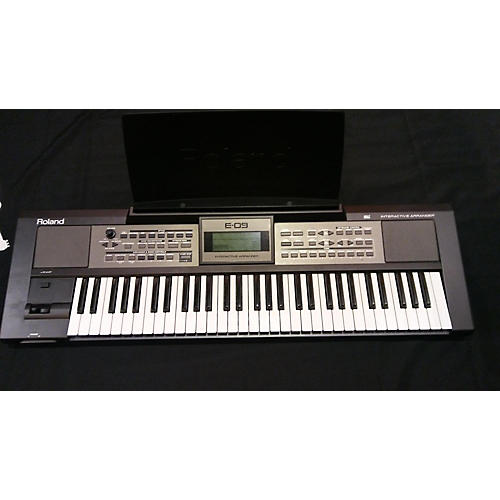 Roland E-09 Arranger Keyboard