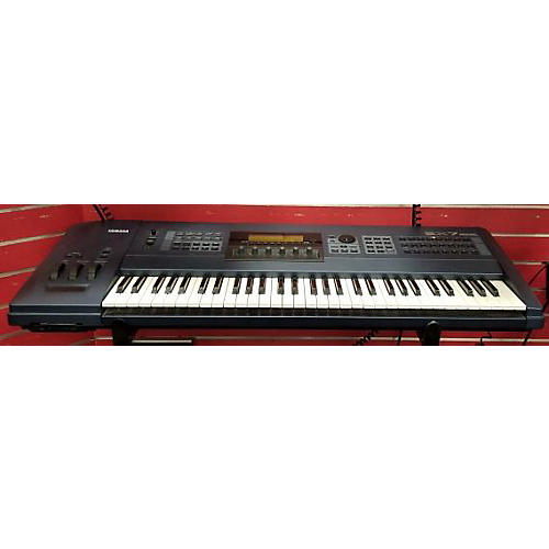 Yamaha EX7 Keyboard Workstation