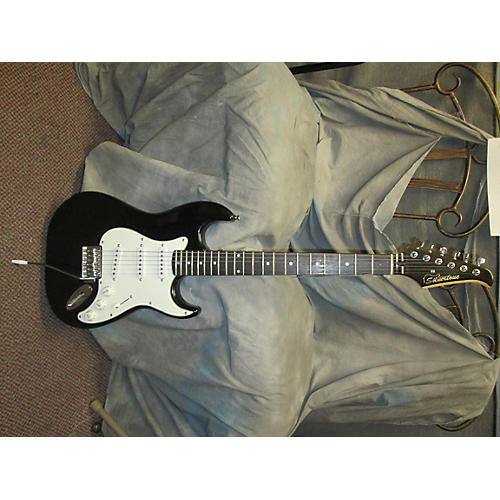 Silvertone Electric Solid Body Electric Guitar