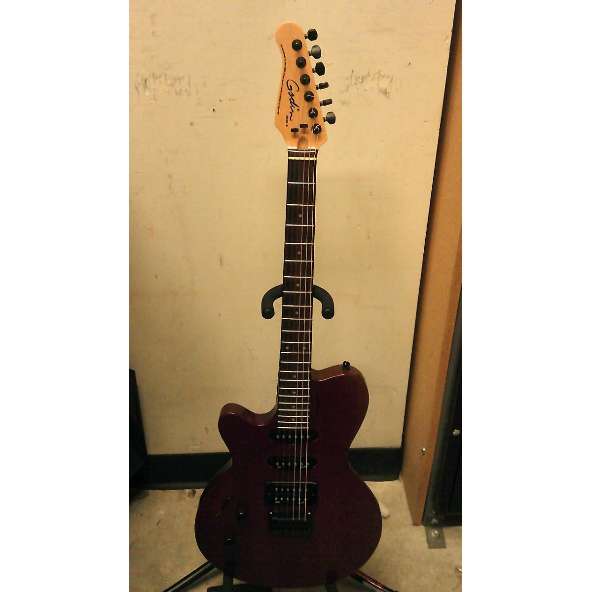 Godin Exit 22 - S Solid Body Electric Guitar