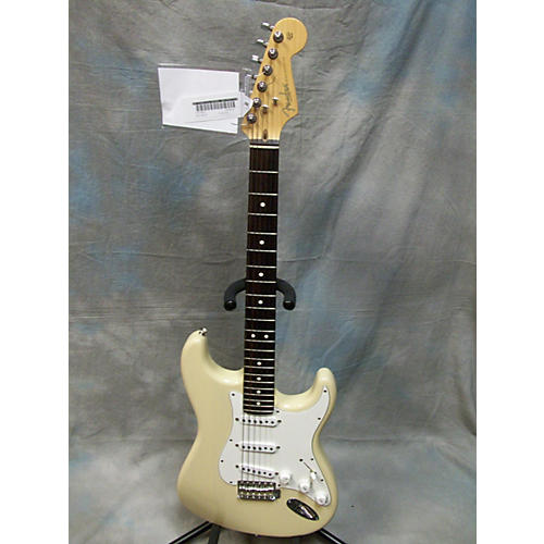 Fender Highway One Stratocaster White Blonde Solid Body Electric Guitar