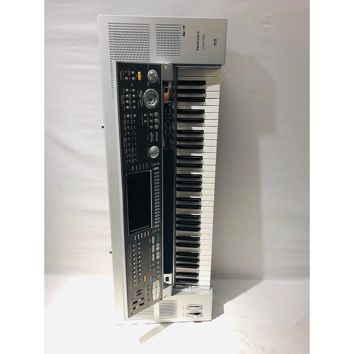 Technics KN7000 Keyboard Workstation