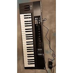 used native instruments komplete kontrol s49 midi controller guitar center. Black Bedroom Furniture Sets. Home Design Ideas