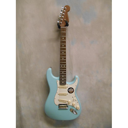 Fender Limited Edition American Standard Stratocaster With Rosewood Neck Daphne Blue Solid Body Electric Guitar