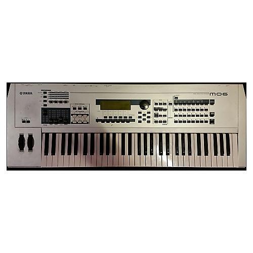 Yamaha MO6 61 Key Keyboard Workstation