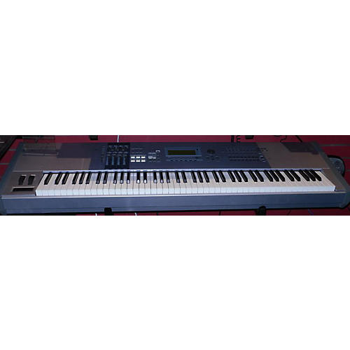 used yamaha motif es8 88 key keyboard workstation guitar center. Black Bedroom Furniture Sets. Home Design Ideas