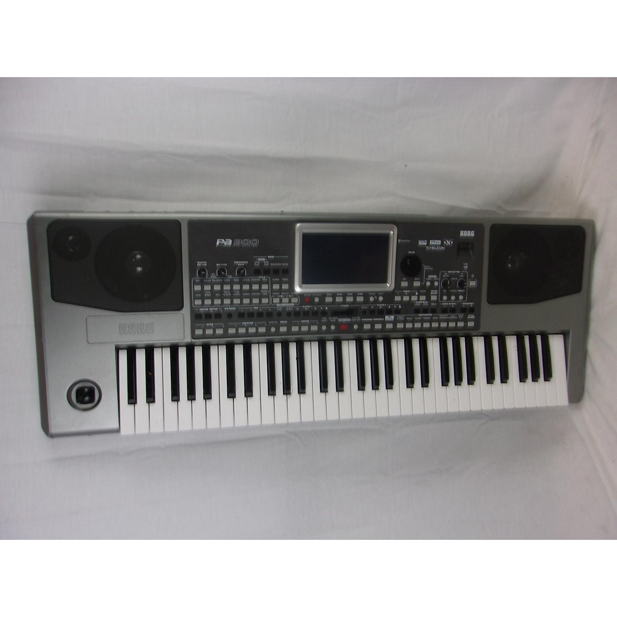 Korg PA900 61 Key Arranger Keyboard