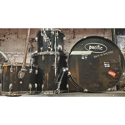 used pdp by dw pacific drum kit black guitar center. Black Bedroom Furniture Sets. Home Design Ideas