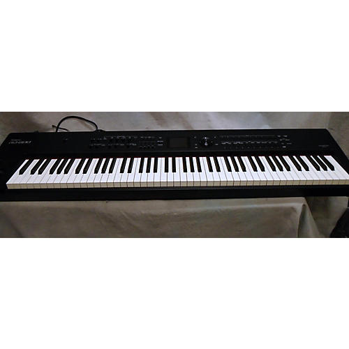 used roland rd 800 portable keyboard guitar center. Black Bedroom Furniture Sets. Home Design Ideas