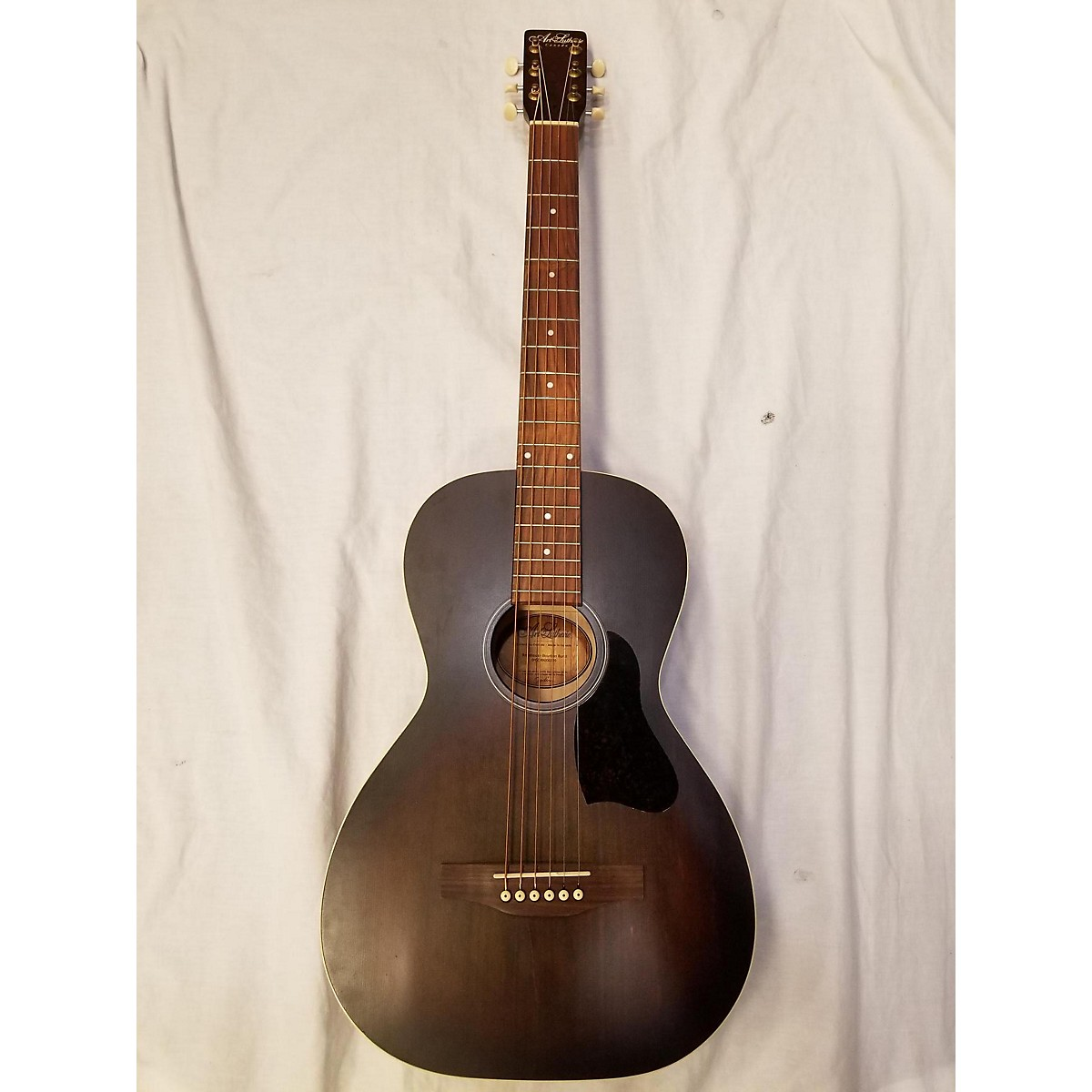 Art & Lutherie ROADHOUSE BOURBON BURST Acoustic Guitar