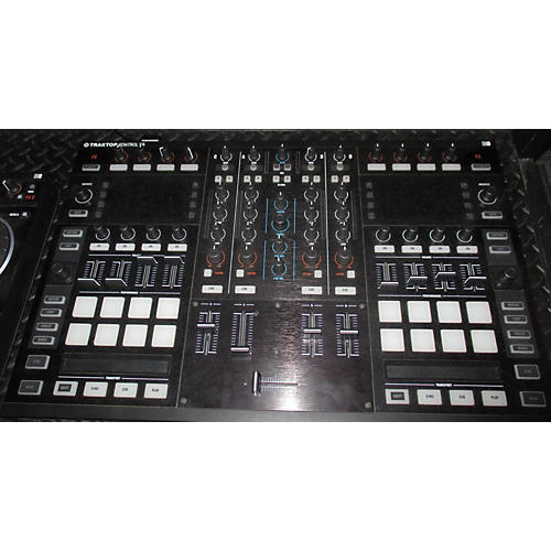 Native Instruments S8 DJ Controller