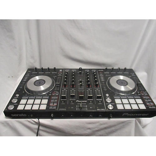 Native Instruments S8 DJ Controller
