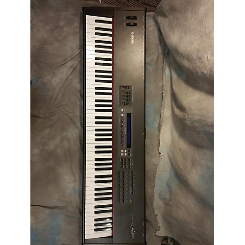 Yamaha S80 Synthesizer