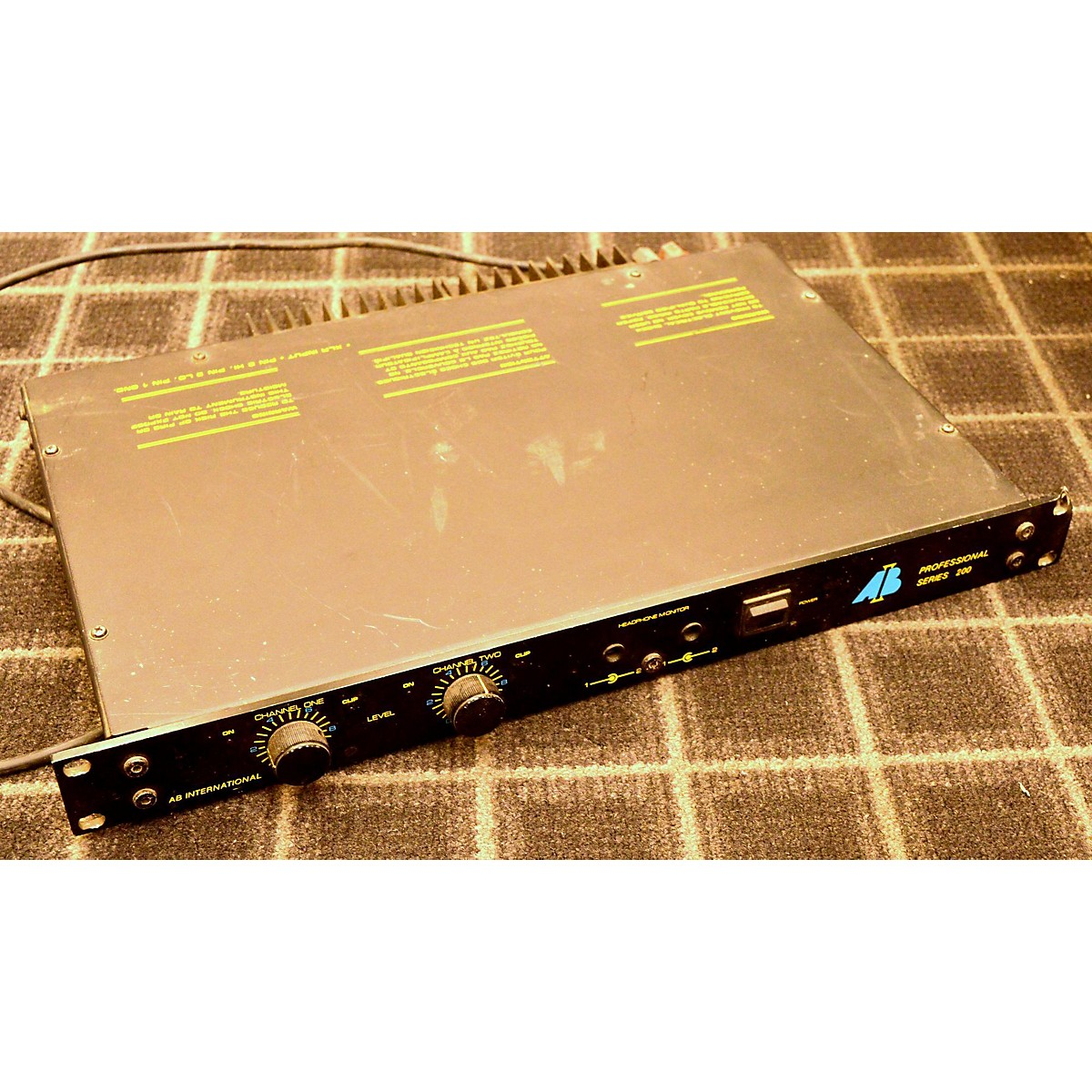 AB SERIES 200 Power Amp
