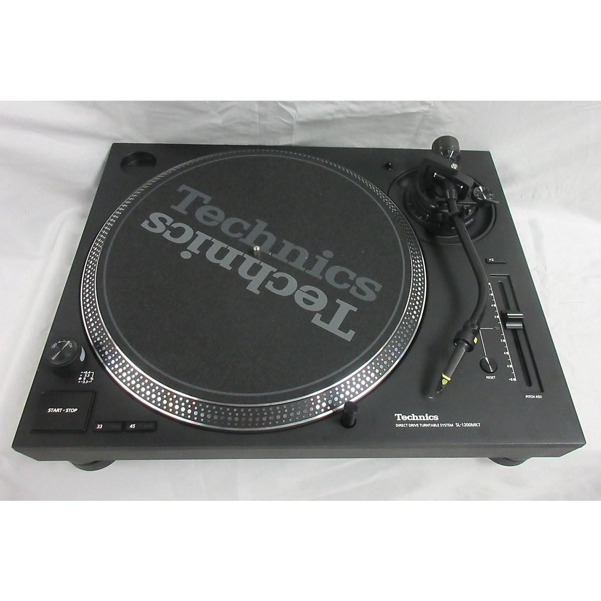 Technics SL1200MK7 Turntable