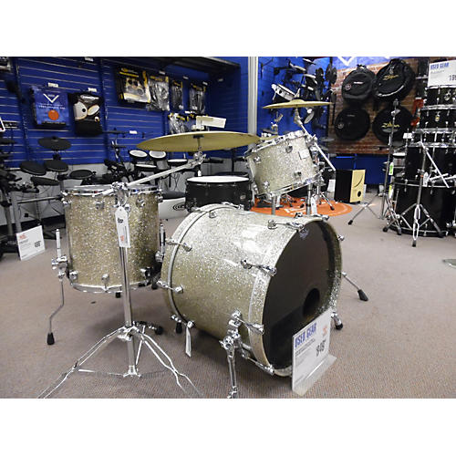 Mapex Saturn 3 Drum Kit