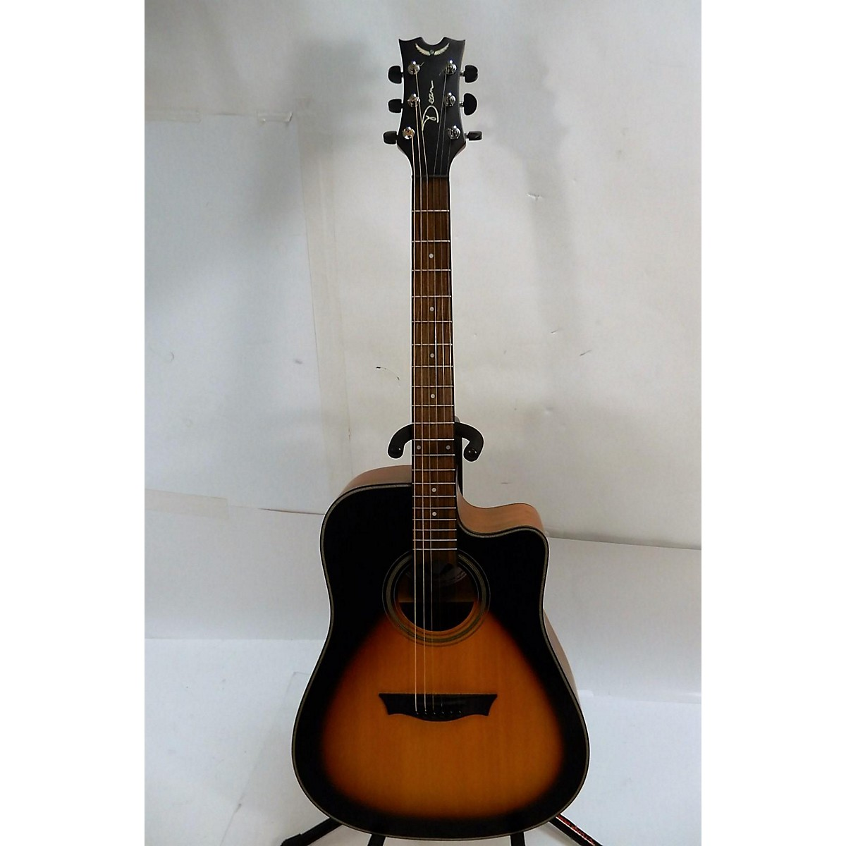 Dean St. Augustine Dreadnought Cutaway Acoustic Electric Guitar