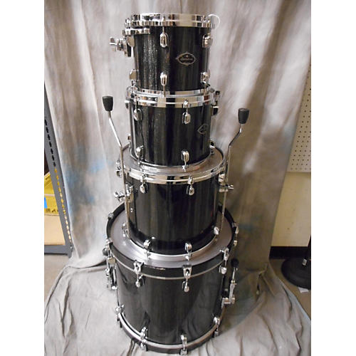 TAMA Starclassic Drum Kit