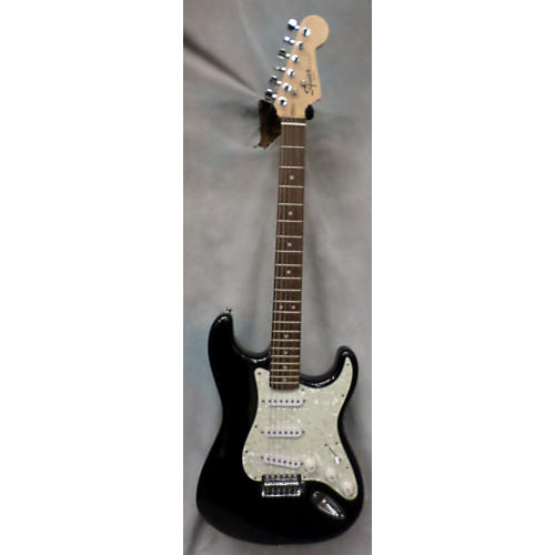Squier Stratocaster SE Solid Body Electric Guitar