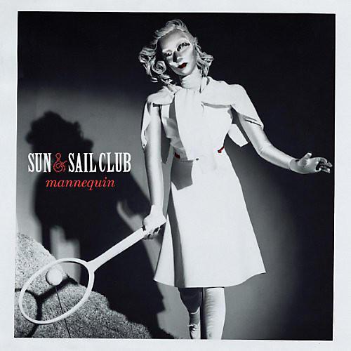 Alliance Sun & Sail Club - Mannequin