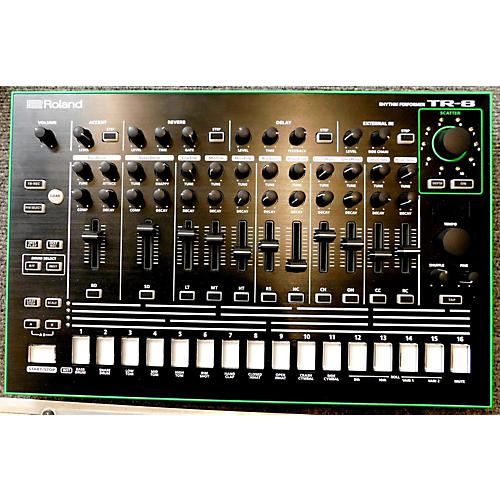 Roland TR-8 Synthesizer