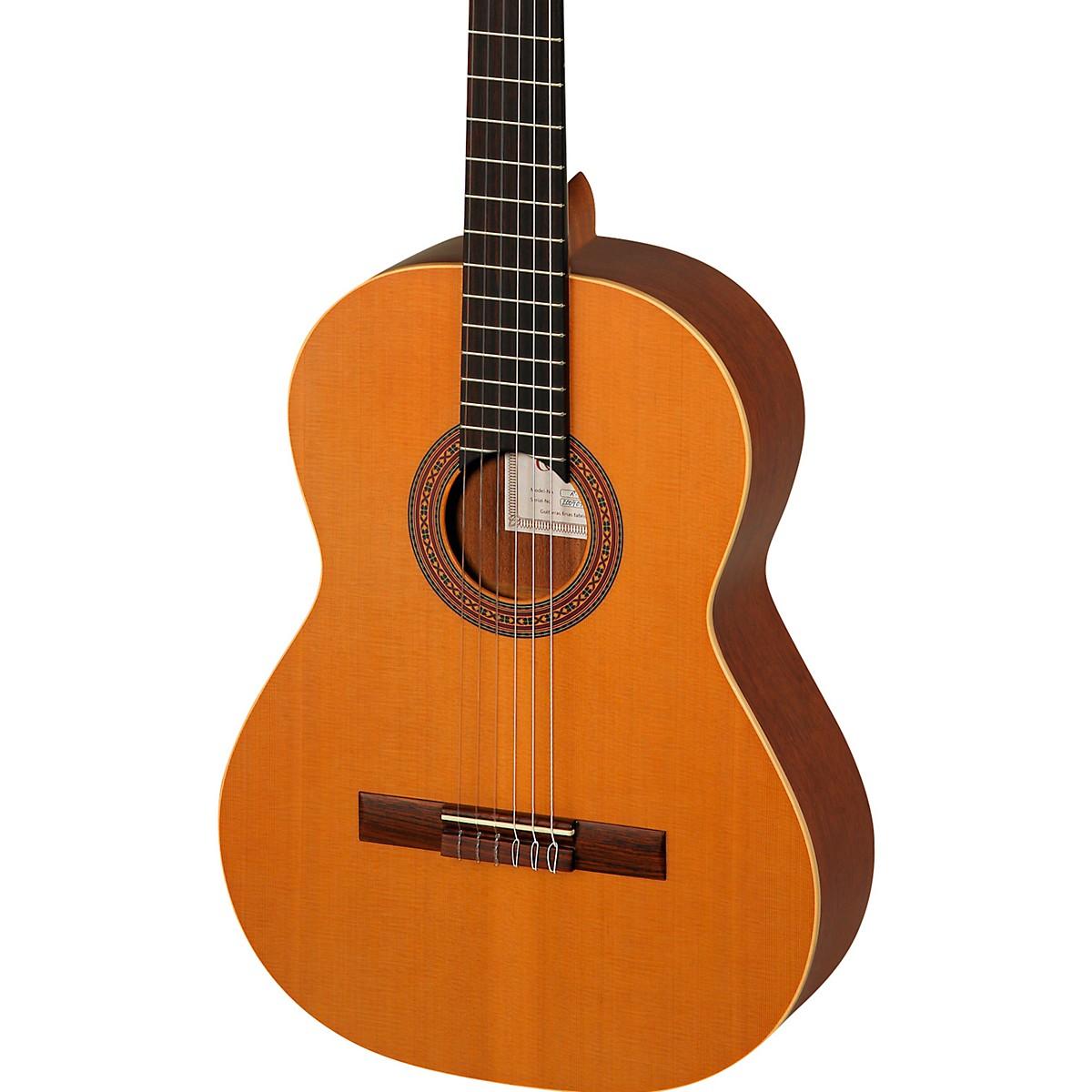 Ortega Traditional Series R180L Classical Guitar