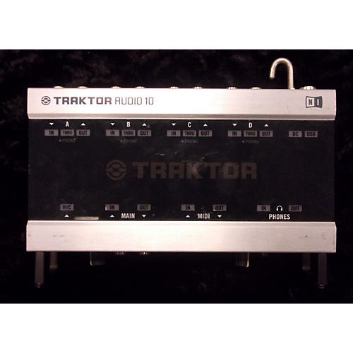 Native Instruments Traktor Audio 10 DJ Controller