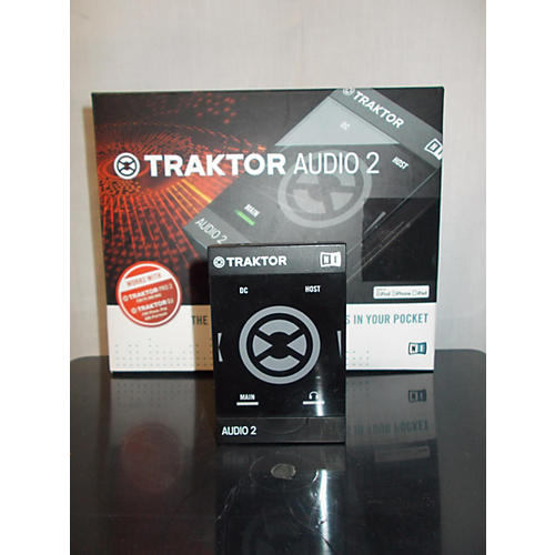 Native Instruments Traktor Audio 2 DJ Controller