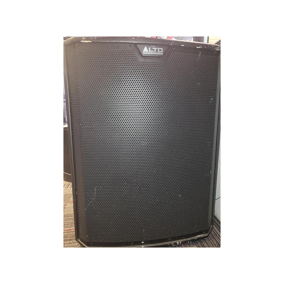 Alto Ts218 Powered Subwoofer