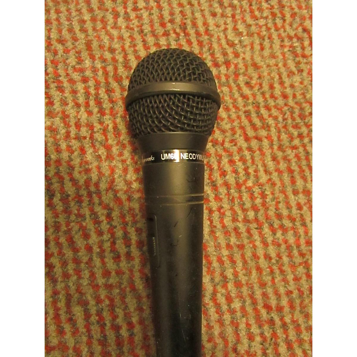 Stageworks UM66 Dynamic Microphone