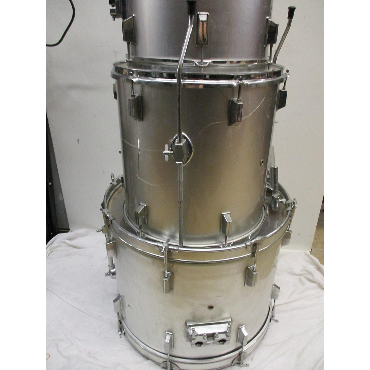 In Store Used Used 2010s Rockland 6 piece Drums Chrome Silver Drum Kit