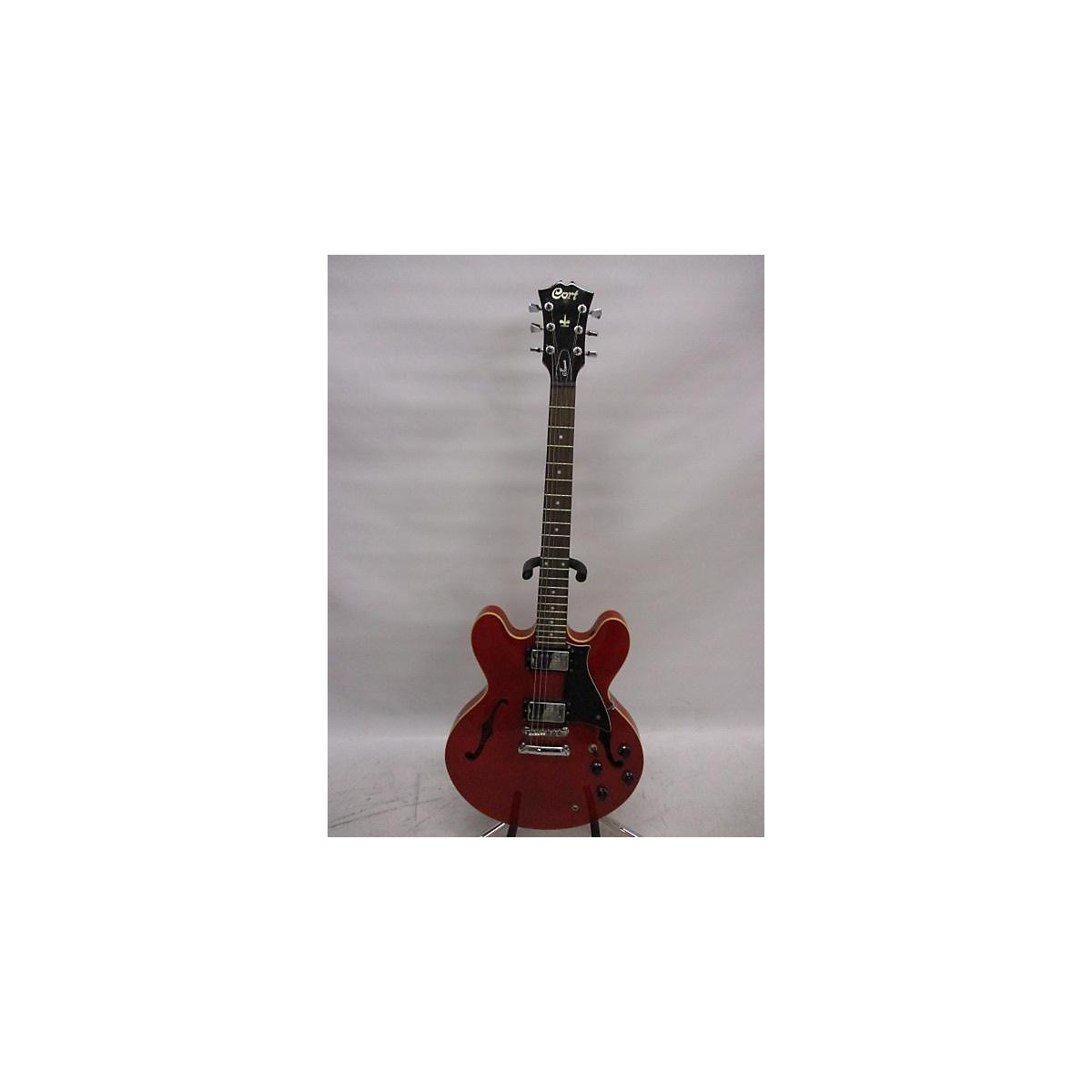 In Store Used Used Court Source Candy Apple Red Hollow Body Electric Guitar