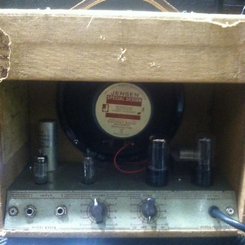 In Store Used Used Lectrolab R200B Tube Guitar Combo Amp