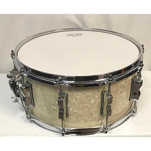 In Store Used Used Lidwig 6.5X14 Maple Classic Drum Pearl White