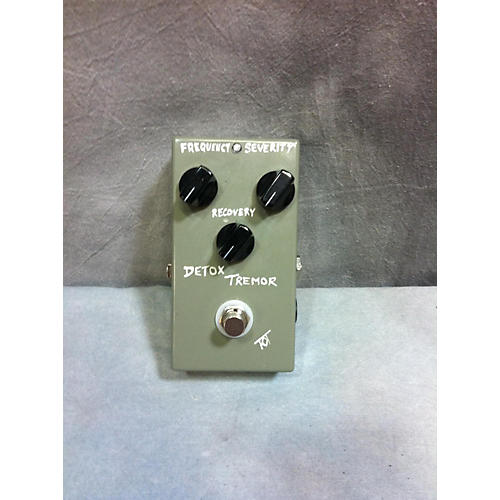 In Store Used Used RST Custom Effects Detox Tremor Aggressive Tremolo Effect Pedal