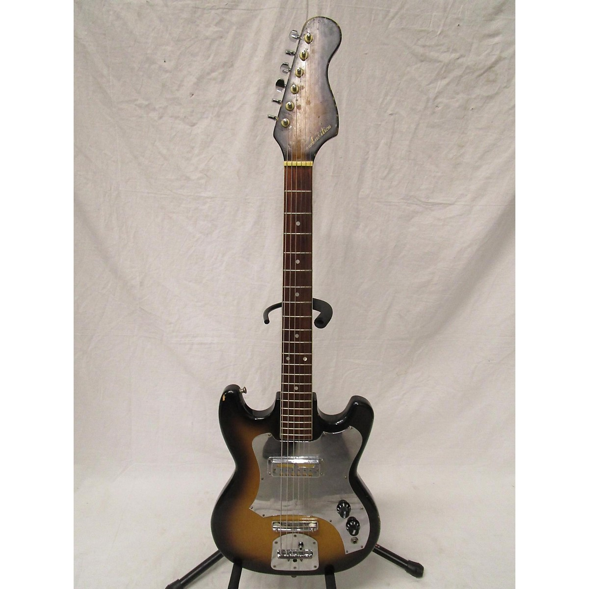 In Store Vintage Vintage 1960s Audition Single Pickup 3 Tone Sunburst Solid Body Electric Guitar