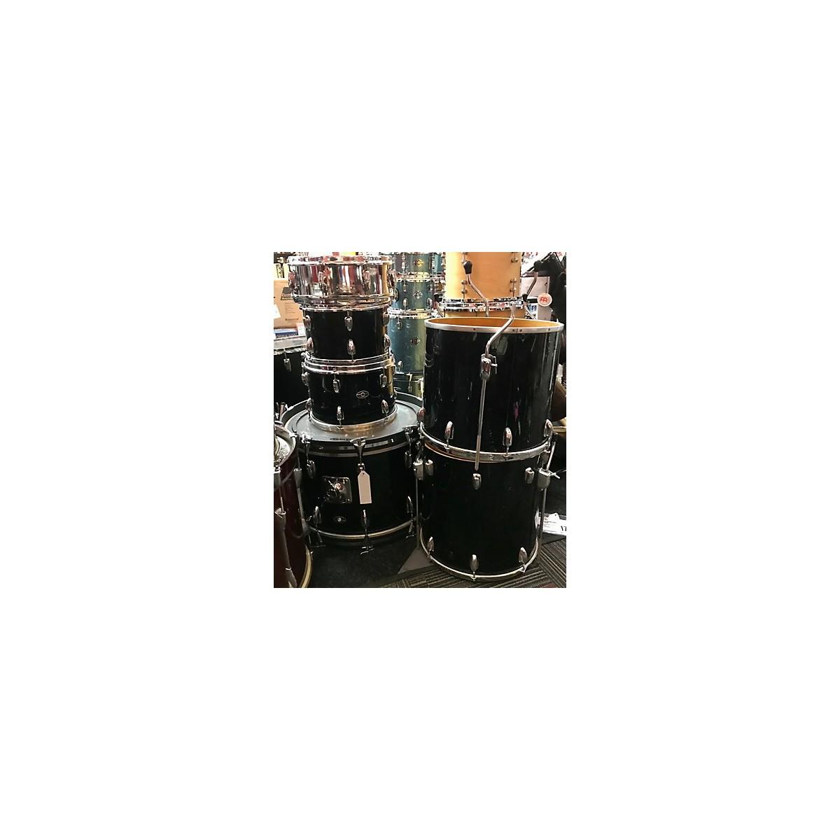 In Store Vintage Vintage 1970s Singerland 6 piece Vintage Black Drum Kit